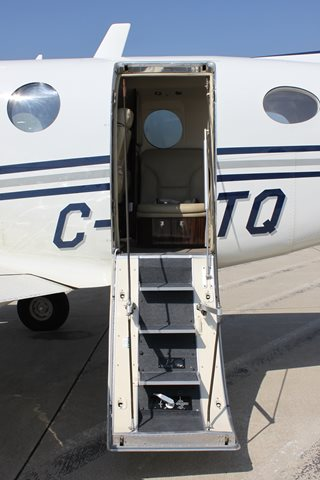 Business Trips by Private Jet Charter from YYZ to YUL private jet charter yyz to yul